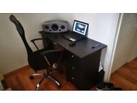 Computer desk + chair - very good condition