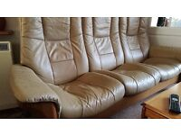 TOP QUALITY LEATHER SUITE