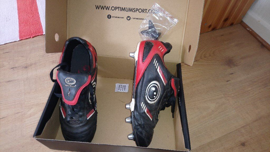Black rugby boots, worn but in good condition, size 9 (43)