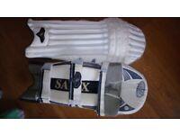 Salix Youth cricket batting pads
