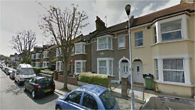 Lewisham SE13. Large, Light & Modern 5 Bed Furnished House with Garden on Quiet Streeet near Station