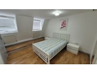 DSS Welcome High Standard 1 Bed Apartment with Open-Plan Kitchen & Living in Shoreditch E2