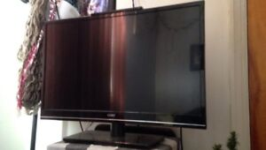 "Flat screen 32"" black Coby TV 80$"