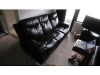 Used Leather sofa with motorized extendable seats - £200 (RRP £1000)