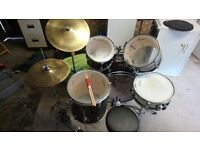 5-piece Stagg drum kit with 2 Stagg Cymbals, studio rings, practice pads and stool