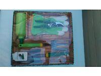 The Budding Gardener garden gift set ** BRAND NEW ** inc tools, gloves & water bottle