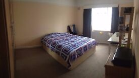 Exceptionally large room in Morden/Wimbledon area