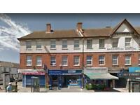 2 bedroom flat in Hanworth Road, Hounslow, TW3 (2 bed)