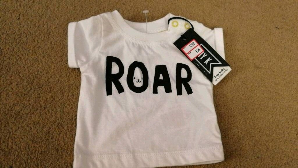 Brand new mothercare tiny baby roar top.