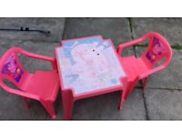 Kids peppa pig table and chairs