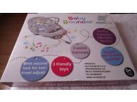 Brand new Baby Bouncer, great price !!!