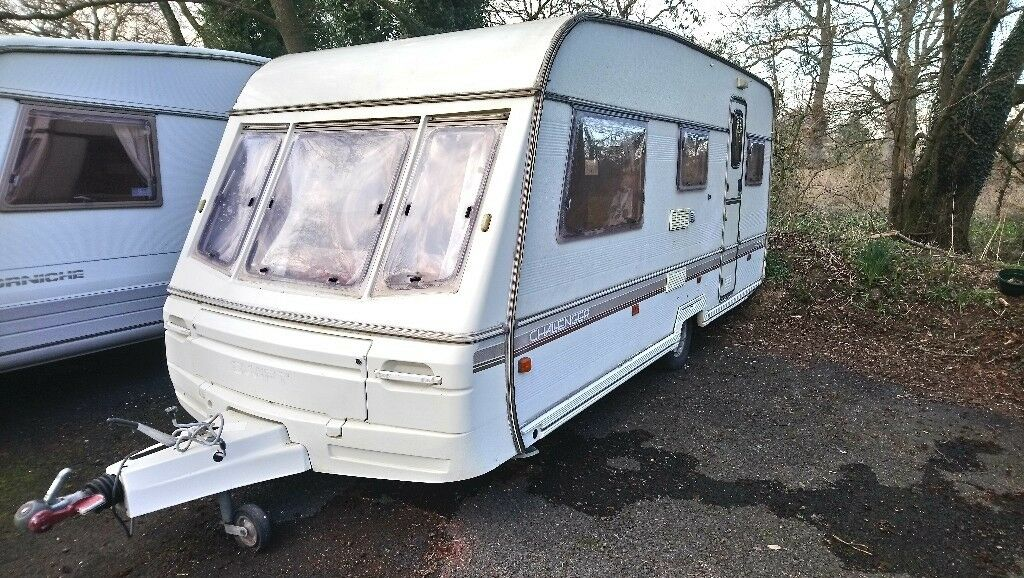 5 BERTH SWIFT CHALLENGER CARAVAN WITH FULL SIZE AWNING ...