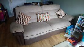 Four seater double recliner