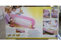 Tomy universal soft bed rail
