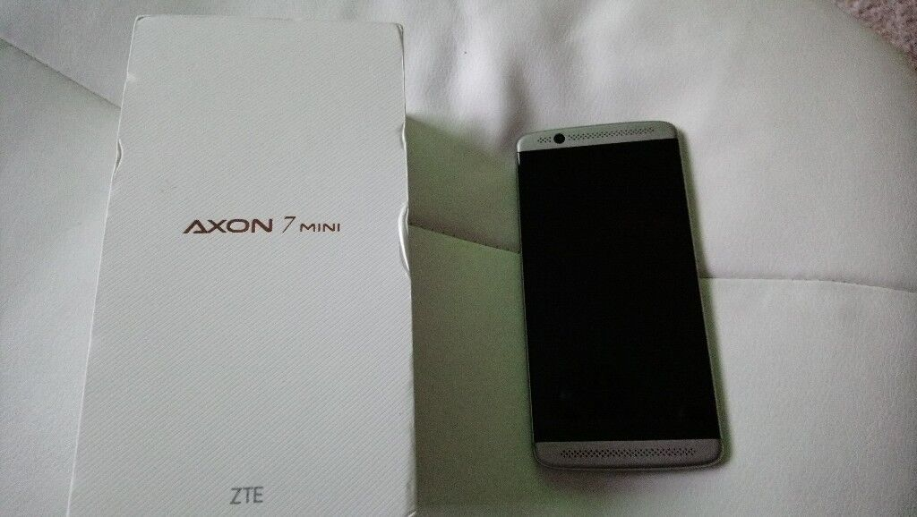Axon 7 Mini Mobile Phone.