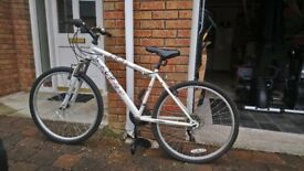 Ladies Mountain Bike / Bicycle, Apollo Jewel, white, great condition £55