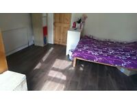1 Large Room (in Friendly Shared House), NG2, 380 pm all bills included