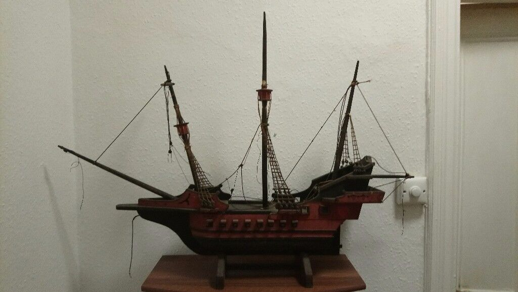 Large wooden modle of gallion ship