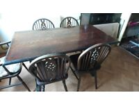Dinning table and 6 chairs. Country farmhouse style.