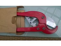 PIPE CUTTER FOR CUTTING PLASTIC PIPE SIZE 15.MM UP TO 63.MM