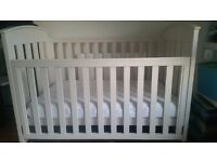 BOORI Country Cot Bed White (inc matress - RRP: £450. Excellent condition
