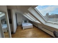 Spacious 2 Bedroom Penthouse with Open Plan Kitchen In Shoreditch E2