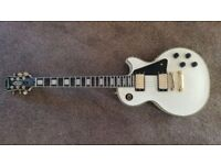 Epiphone Les Paul Custom Pro in white. Excellent condition