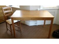 2 x chest of drawers/1 shelf unit/1 table and 2 chairs
