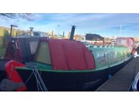 45 ft Narrow boat built in 1972 permanent moorings in Goole marina, vintage interior good project