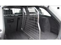 BMW 3 series dog guard with divider