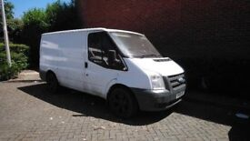 ford transit 2006 for sale .everythin g works fine but i have problems with injectors.