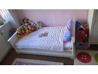 White Mamas & Papas cot bed
