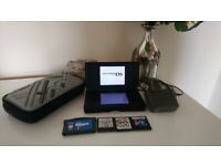 Nintendo DS Lite (With 4 Games and 3DS Case) EXCELLENT CONDITION