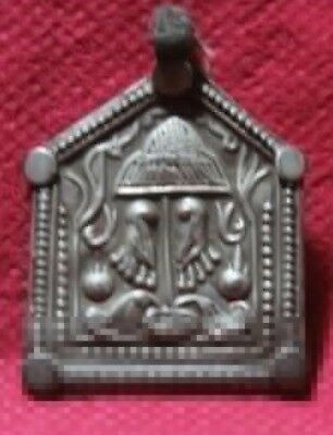 Indian Handicrafts Unique Tribal Silver Emulate Pendant SC 03