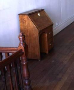 Antique oak desk Fremantle Fremantle Area Preview