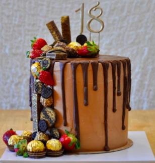 Custom Cakes in the Logan and Brisbane Area