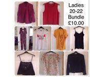 LADIES 20-22 BUNDLE OF WOMENS CLOTHES