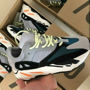 YEEZY WAVE RUNNER 700 SIZE 7