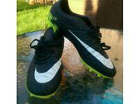 Nike Hypervenom football boots - size 6