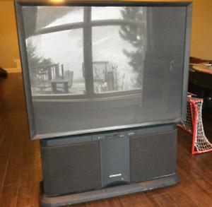 Hitachi Ultravision 53 inch Rear Projection TV
