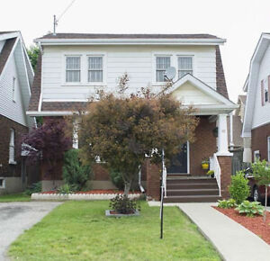 Centrally located, 3 bedroom 1 bath detached house