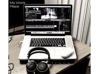 MacBook Pro core i7 17 inch screen ssd + apps