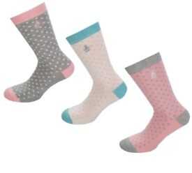 600 pairs new socks- mixed brands and non branded