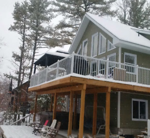 Chalet/Cottage 30 minutes from Gatineau and Ottawa with HOT TUB