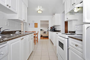 Large 3 Bedroom Apartment in Vancouver Close to UBC and Granvill