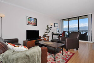 Modern 2 Bedroom in Kitsilano! Steps to Kits Beach & West 4th!