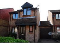 3 bedroom house in Tanyard Close, Horsham, West Sussex, RH13 (3 bed)