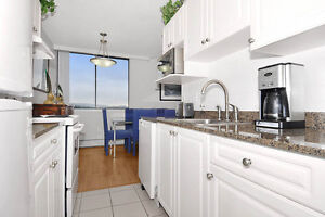 Large 2BD in North Vancouver Central Lonsdale, Beside City Hall!