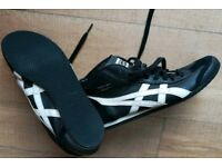 As new ASICS trainers size 7