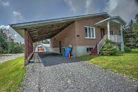 Beauce : St-Honoré-de-Shenley Bungalow sur 49 acres